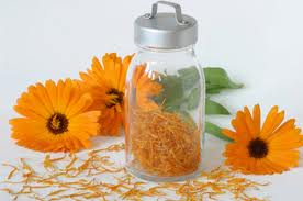 CALENDULA OIL - Rakesh Sandal Industries